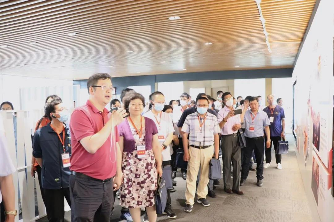 陈志强总裁:党建工作要立足在基层,把党建的活力转换成脱贫攻坚的动力